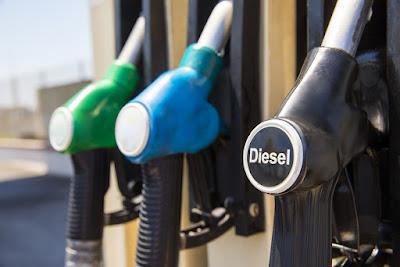 Diferentes tipos de combustible en mangueras de diesel y gasolina