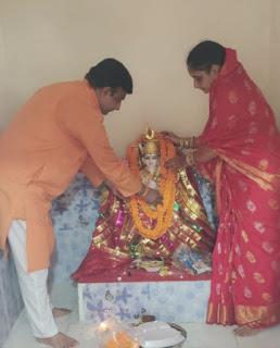 #JaunpurLive : दुबे परिवार ने बनवाया शीतला माता का दिव्य मंदिर