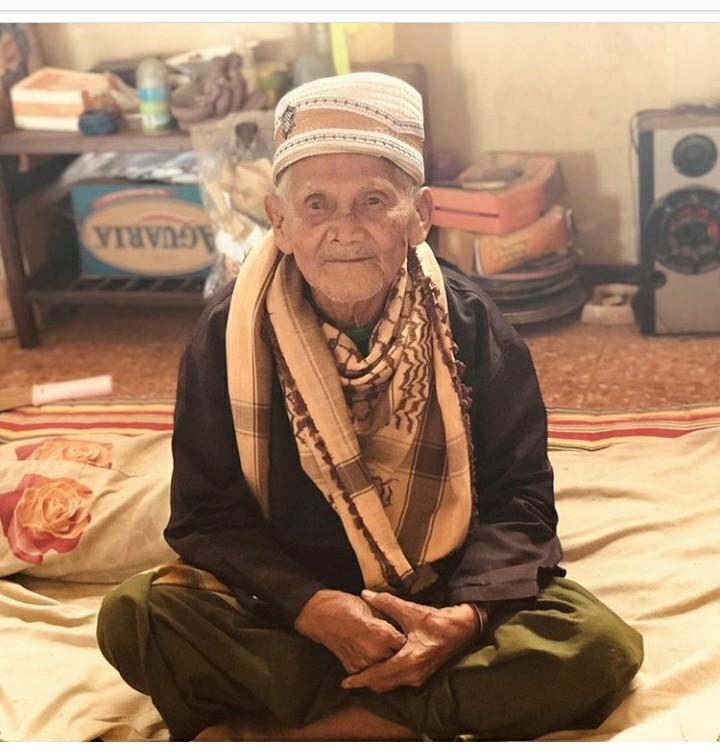 Kakek 96 Tahun dari Semarang Ini Rutin Lakukan Amalan Menakjubkan