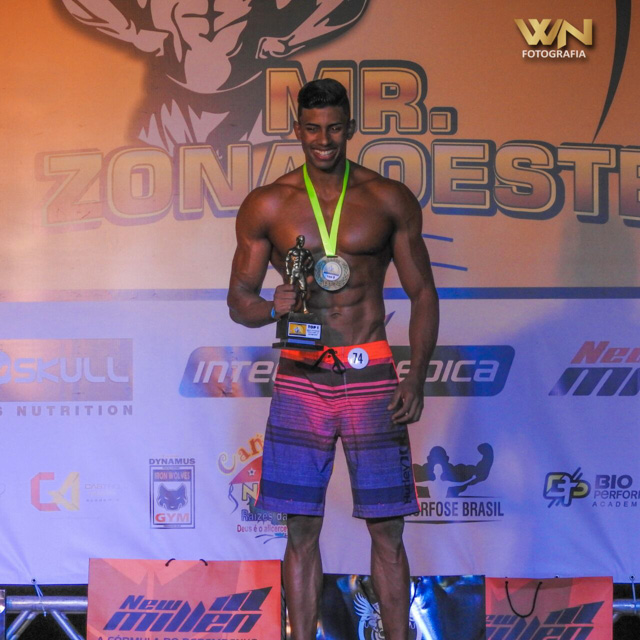 Luan Madureira, campeão Men's Physique Overall do Mr. Zona Oeste 2017. Foto: Willian Netto