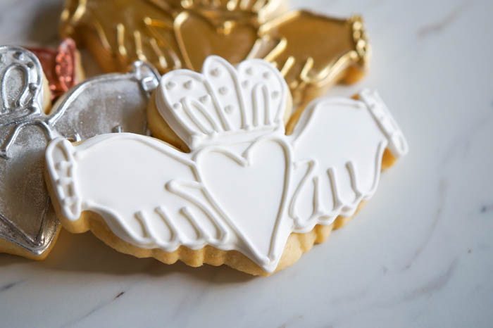 pretty Irish claddagh cookies, just like the rings!