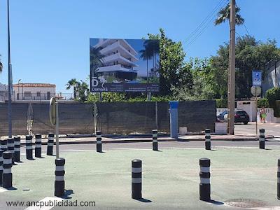 instalación de valla publicitaria en Cambrils