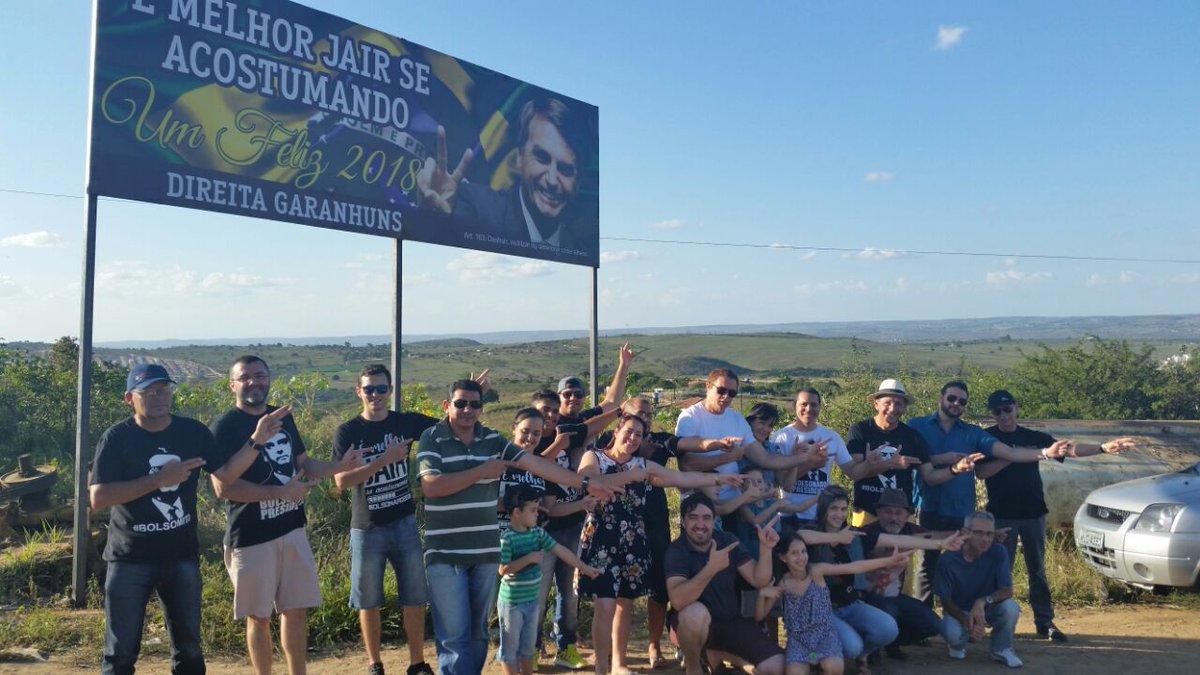 Vc Garanhuns Outdoor Gigante Grupo Faz Homenagem A Jair Bolsonaro