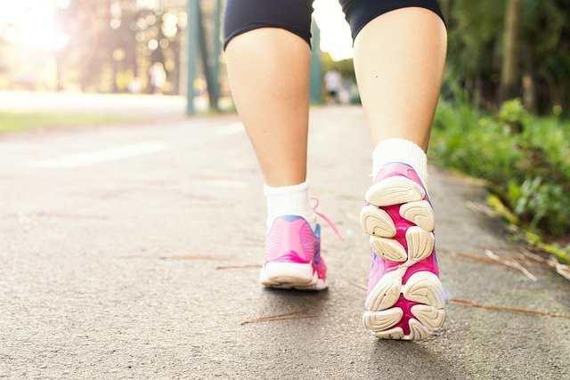 كم ساعة مشي لحرق كيلو من الوزن؟