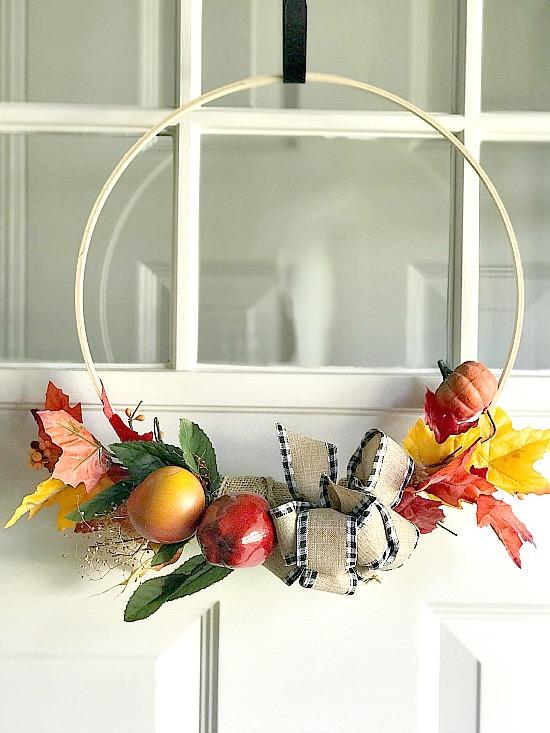 DIY Easy Hoop Wreath for the Fall