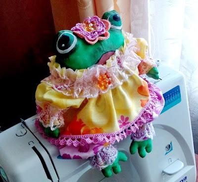 текстильная лягушка