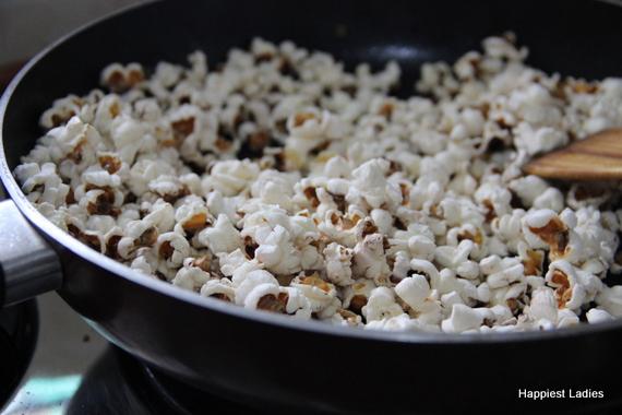 Easy stovetop popcorn