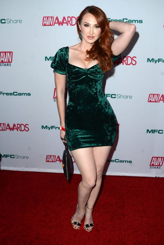 Kendra Jade Rossi Clicks at AVN Awards Nominations Announcement in Hollywood 21 Dec-2019