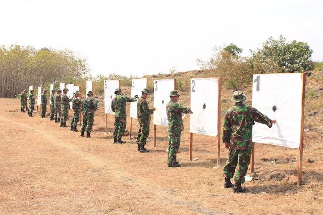 Kodim Klaten Asah Kemampuan Menembak Senjata Ringan
