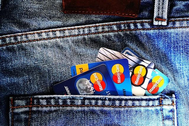 ¿Tarjetas revolving? ¿Cómo salir de la espiral de deudas?
