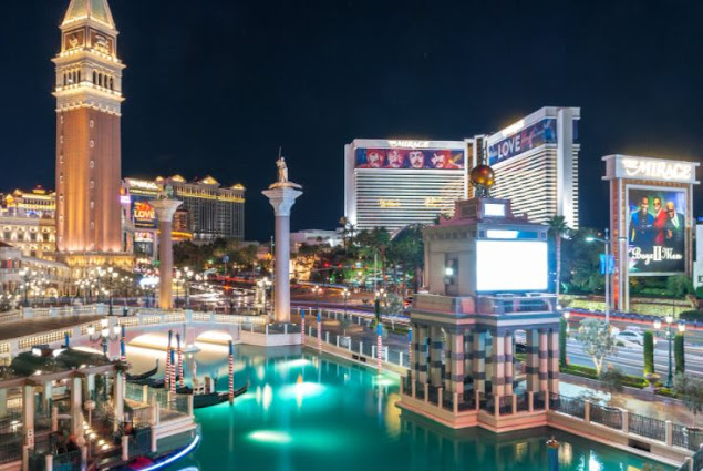 The Best places to visit in USA The Mirage Hotel
