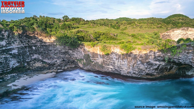 Pasih Uug Nusa Penida is like an ocean that is separated from the open ocean