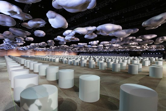 marc jacobs 2015 runway clouds