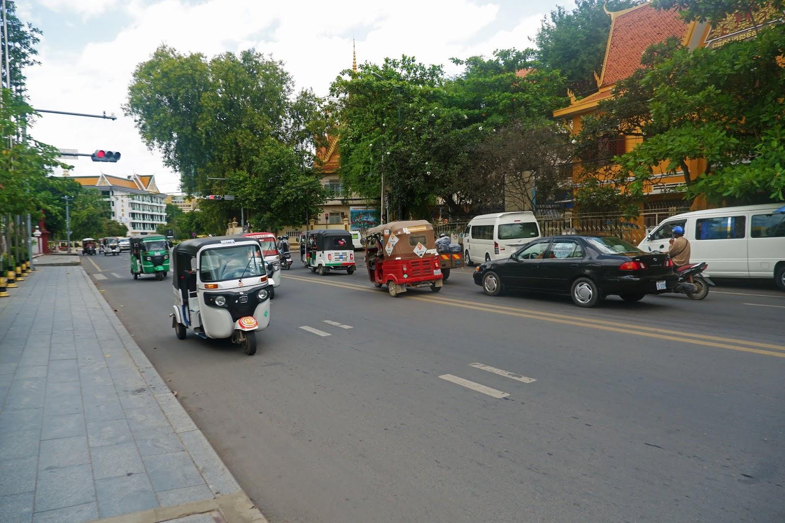 jalanan kota phnom penh