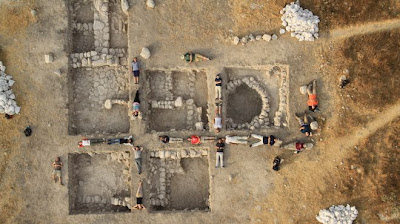 Volunteers help uncover Biblical city