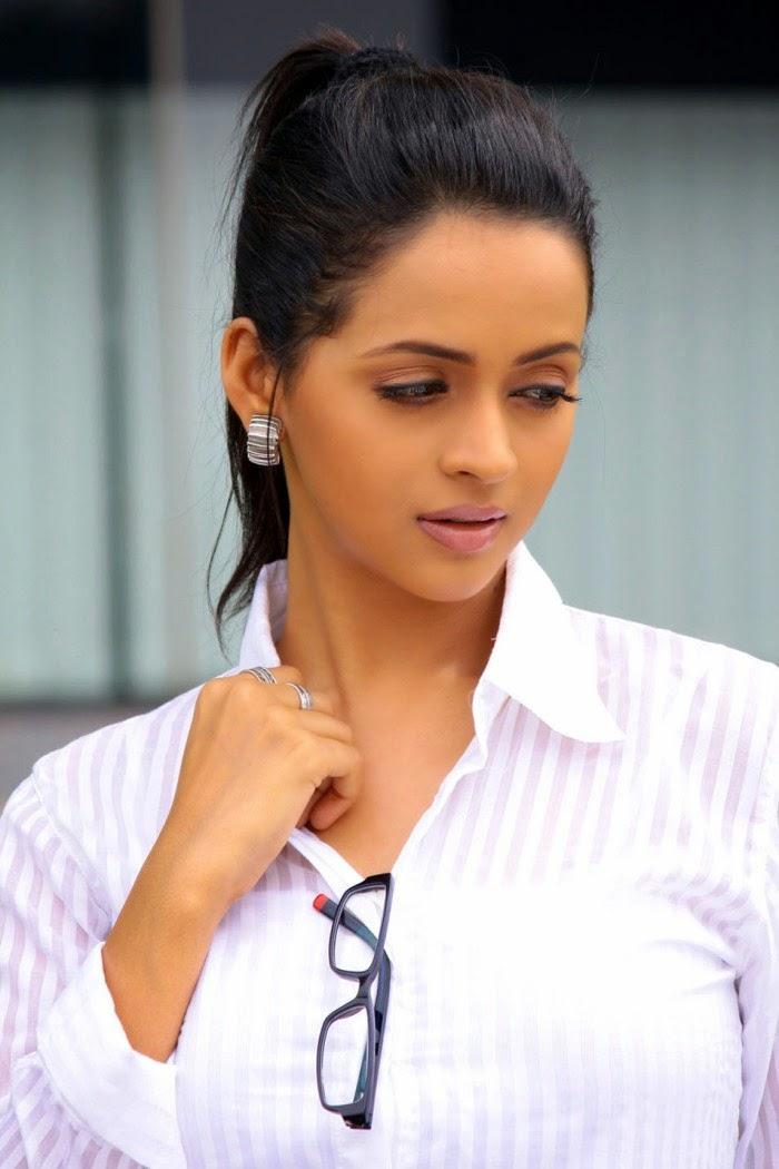 Beautiful Indian Actresses Gallery Bhavana Latest