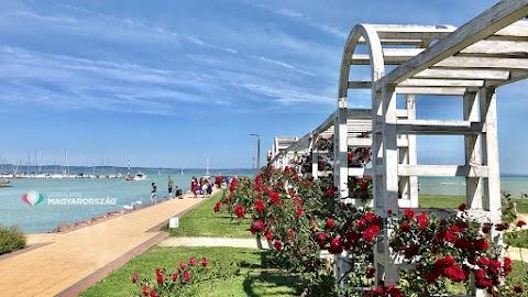 Siófok félmilliárd forintot kap a Rózsakert és a siófoki kikötő környezetének felújítására