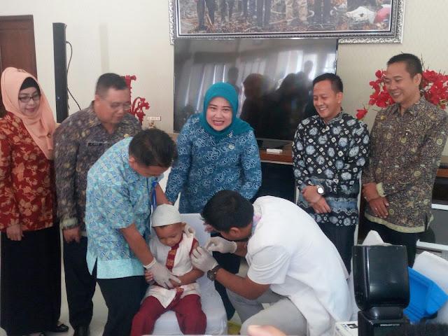 Antisipasi Penyakit Difteri Dinkes OKI Launching Vaksinisasi