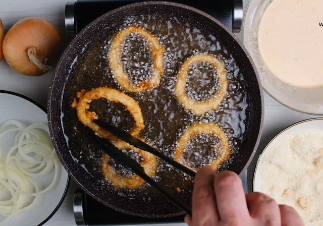 frying the onion rings