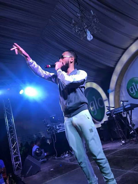 Phyno's Manh00d Stands While Performing On Stage In Lagos (See Fans Reactions)