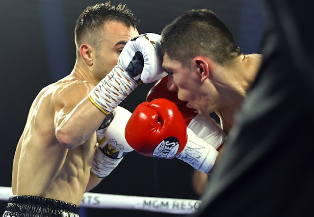 Jason Moloney beats Leonardo Baez