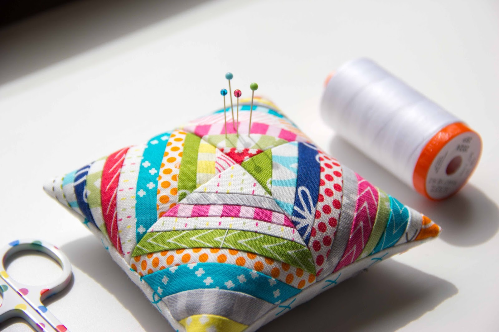 V and Co : V and Co: How to make a little string block pincushion