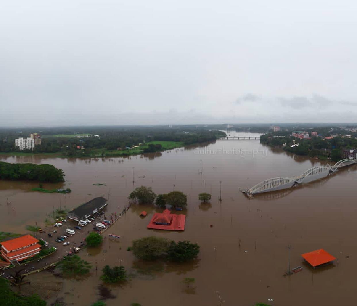 Kerala Monsoon Floods,River Periyar Floods Aluva Town and sivaTemple,aluva manapuram flood