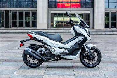 """Lifan LF150-T, """"Versi murah"""" dari Honda X-ADV di China"""
