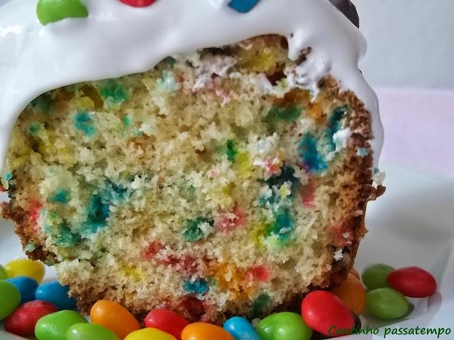 Resultado de imagem para bolo formigueiro colorido