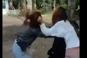 Viral! Video Duel Perkelahian Gadis Remaja di Selayar