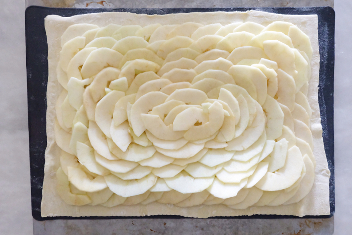 finished layers of apples on puff pastry