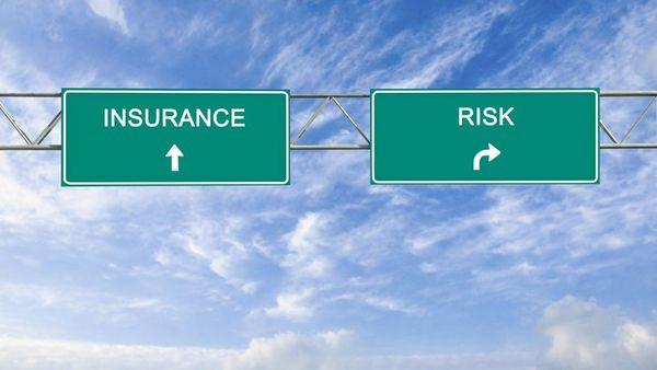 نشامى ويب - تخصص ادارة المخاطر و التأمين ( Risk Management and Insurance )