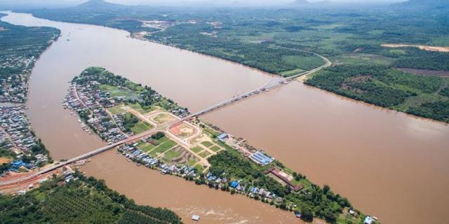 Sungai-Kapuas-Tayan