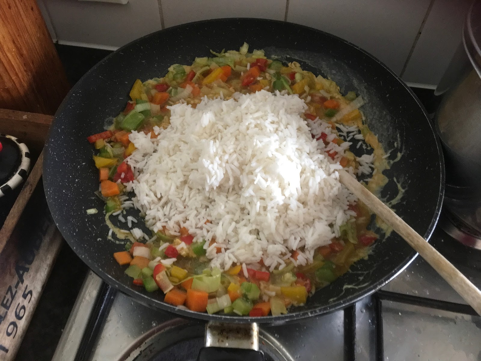how to make simple egg fried rice