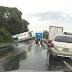 Caminhão sai da pista e altera trânsito na RSC-287