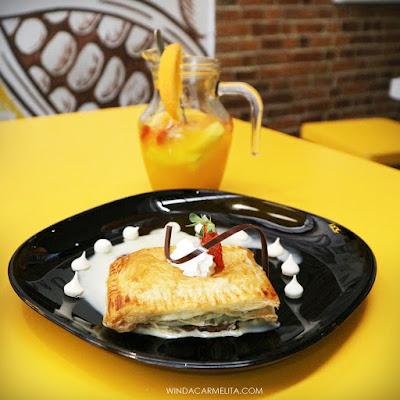 dapur cokelat malang mango delight apple strudel