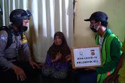 Didampingi Polsek, Mahasiswa KKN K-403 Unimal Berikan Bantuan Sembako Untuk Masyarakat Miskin