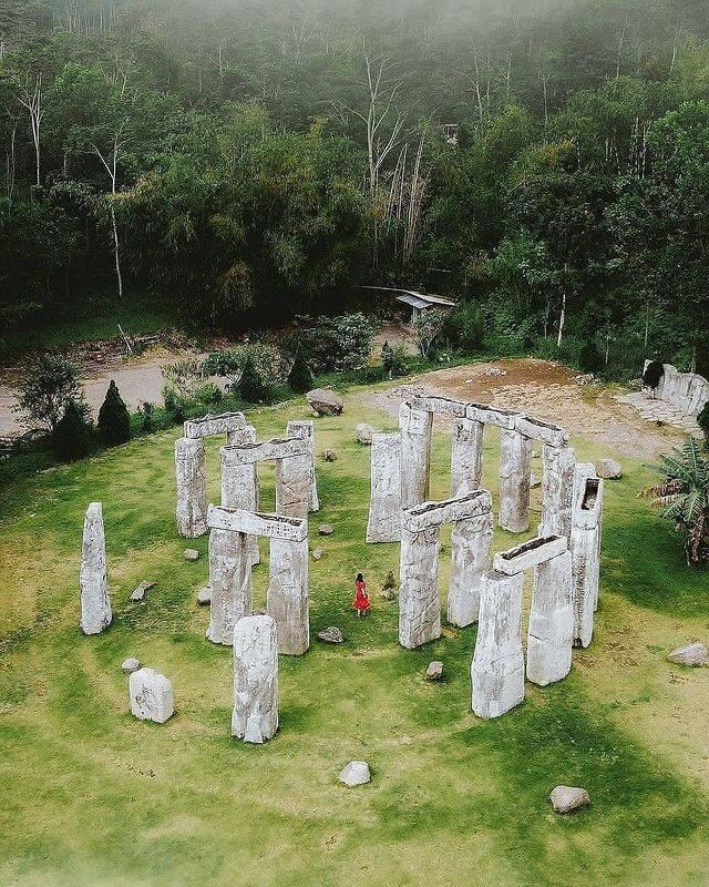 Stonehenge Merapi - foto instagram dongvns