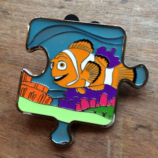 Finding Nemo Character Connection Limited Edition Mystery Pin Collection marlin