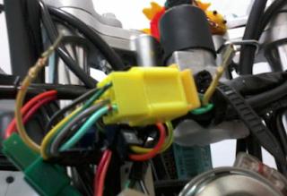 Warna Kabel Kelistrikan Sepeda Motor Honda , Yamaha , Suzuki , Kawasaki