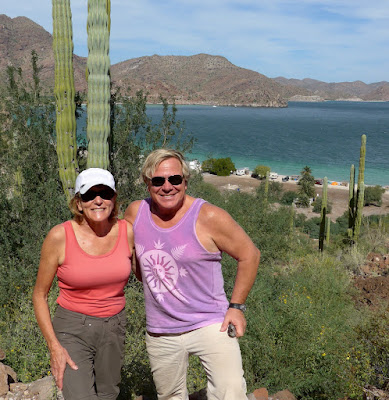 Liz and Anders hiking at Coyote Beach, BCS.