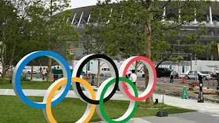 Olympic organizers ban alcohol, allow spectators to curb spread of covid