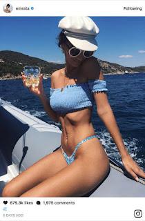 Sexy Emily Ratajkowski butt photos