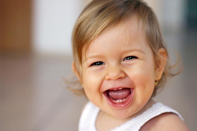 صور الأطفال يضحكون