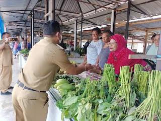 Tadi Untung Tamsil Berkunjung Ke Pasar Tanjung Wagom