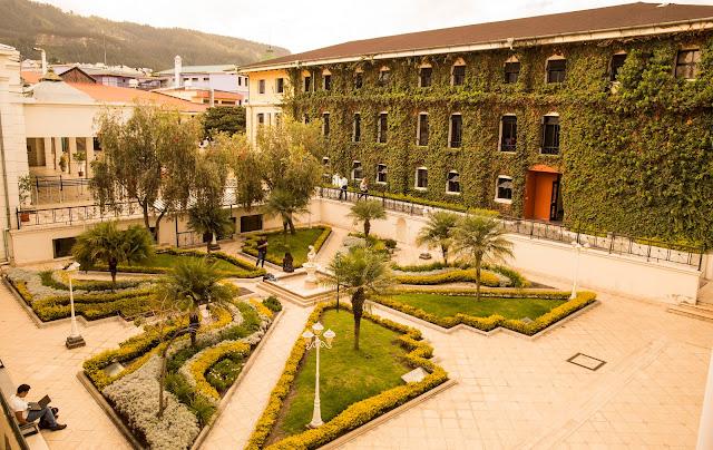 Celebramos 32 Años de Fundación de la Universidad San Francisco de Quito
