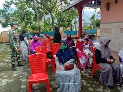Koramil 15/Pekuncen Melaksanakan Pendampingan Posbindu Dan Sosialisasi Vaksinasi Covid-19 Bagi Lansia