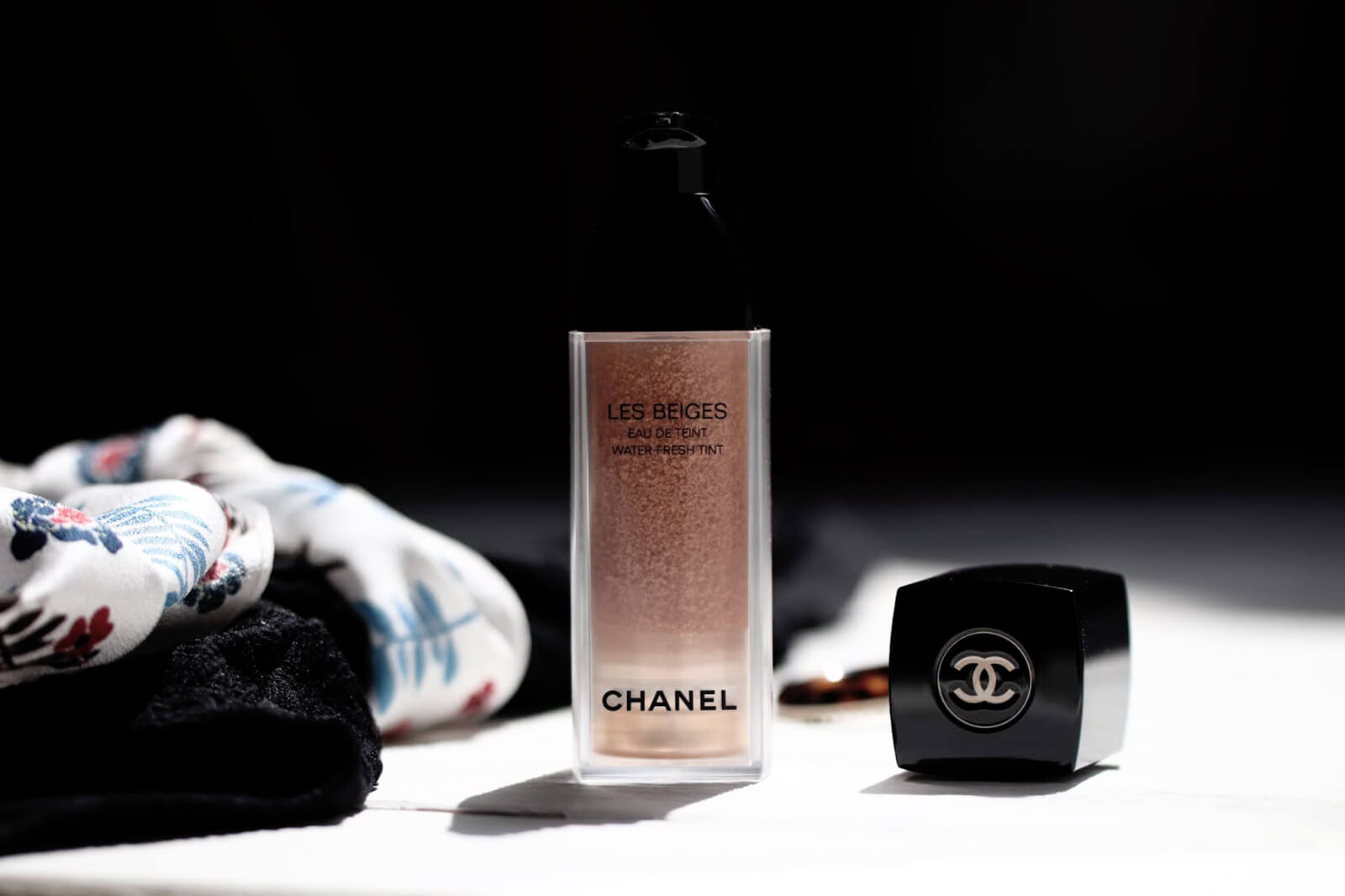 chanel-les-beiges-eau-de-teint-avis-test-light-swatch