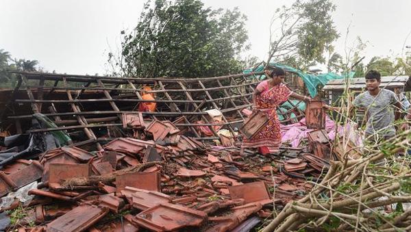 Cyclone Bulbul: 4 killed, normal life disrupted in West Bengal,Kolkata, News, Rain, Dead, Obituary, Report, National