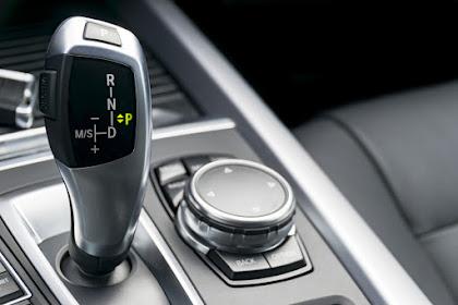 Cara Mengendarai Mobil Matic Agar Transmisi Awet